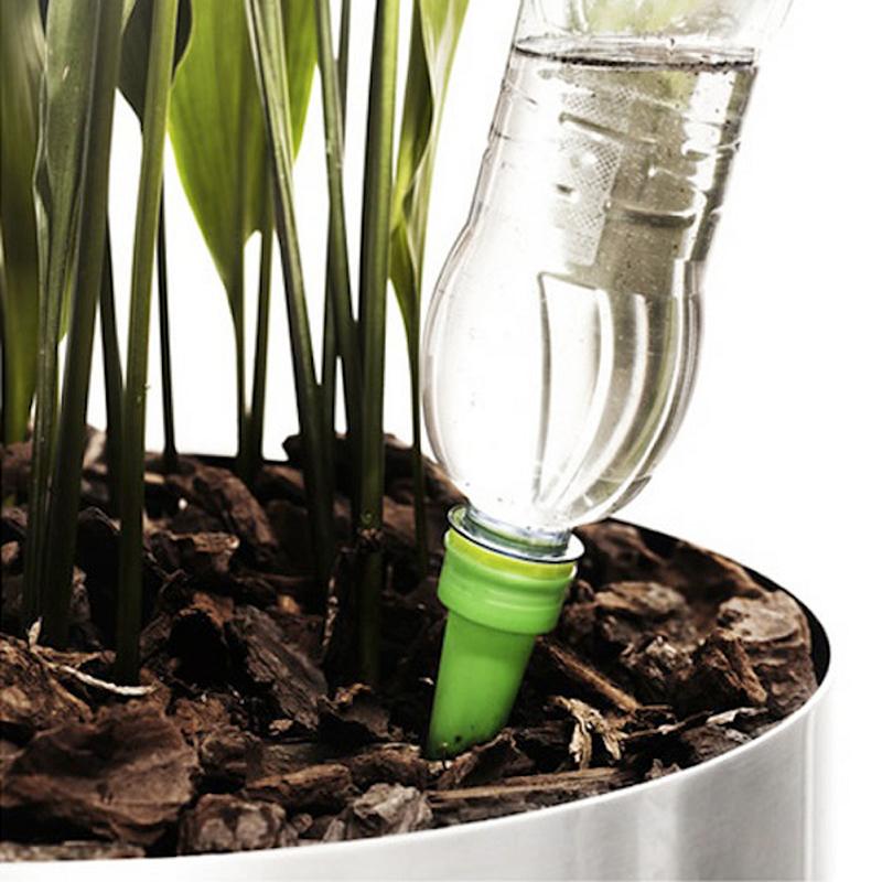 reuse a plastic bottle in the garden