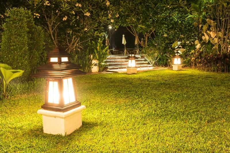 How to properly light a garden