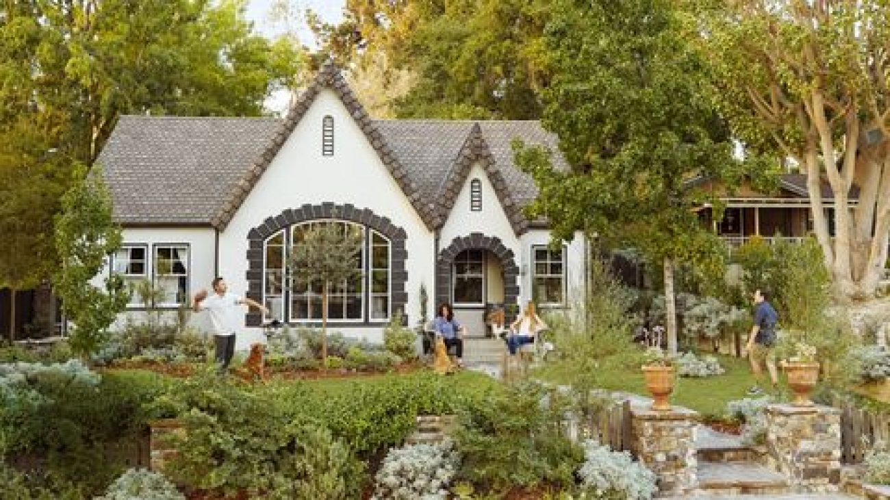 3 Best Tips for Stunning Summer Curb Appeal