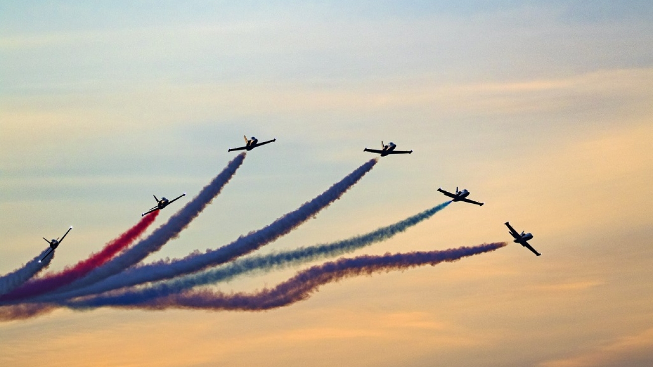 Preparing With Flying Colors for an Airshow